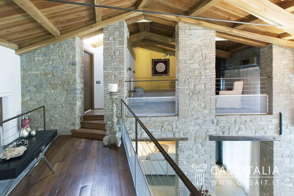 Villa In Affitto Collina