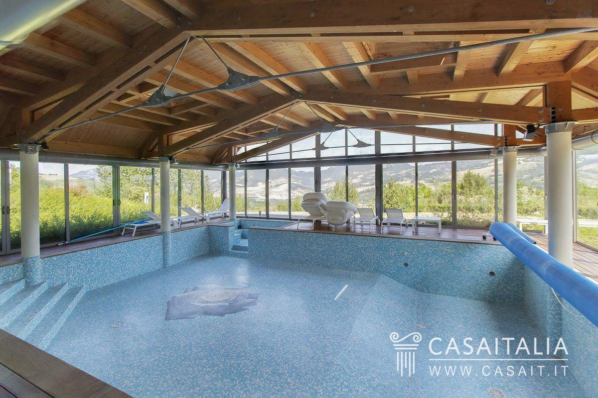 Villa con piscina in vendita sulle colline emiliane - Ville in vendita con piscina ...