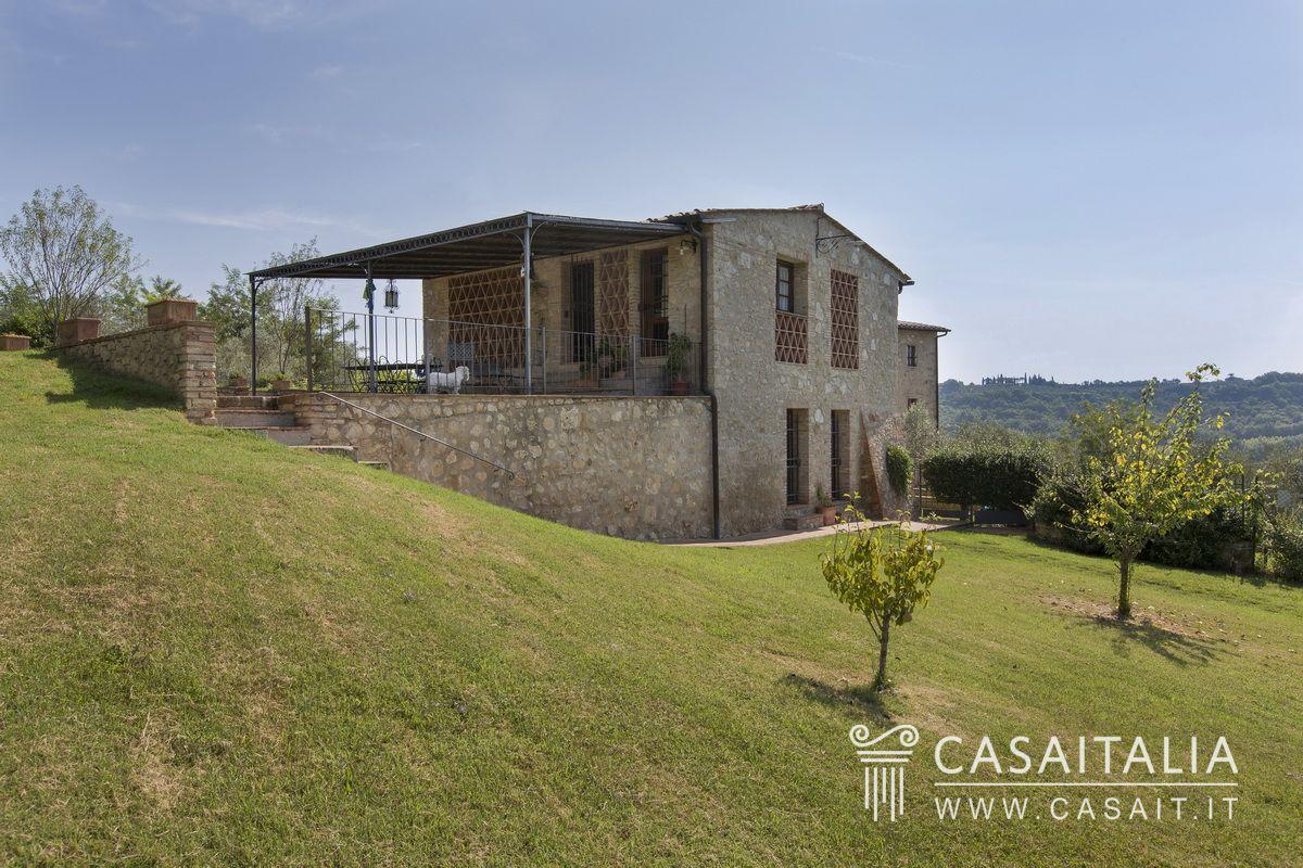 Casale in vendita sulle colline di san gimignano - Casale in toscana ...