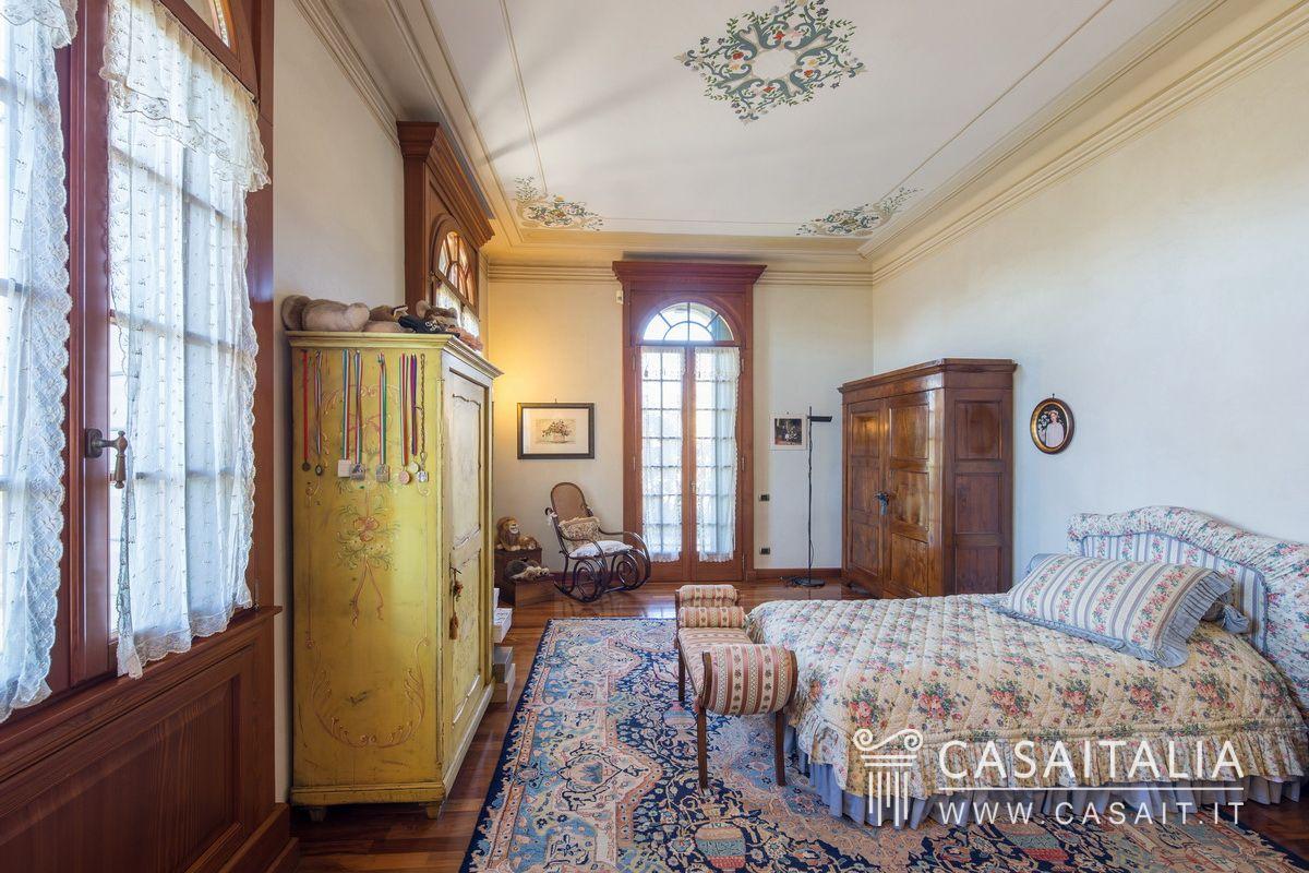 Villa d 39 epoca in vendita a 20 km da verona for Case in vendita a budoni da privati