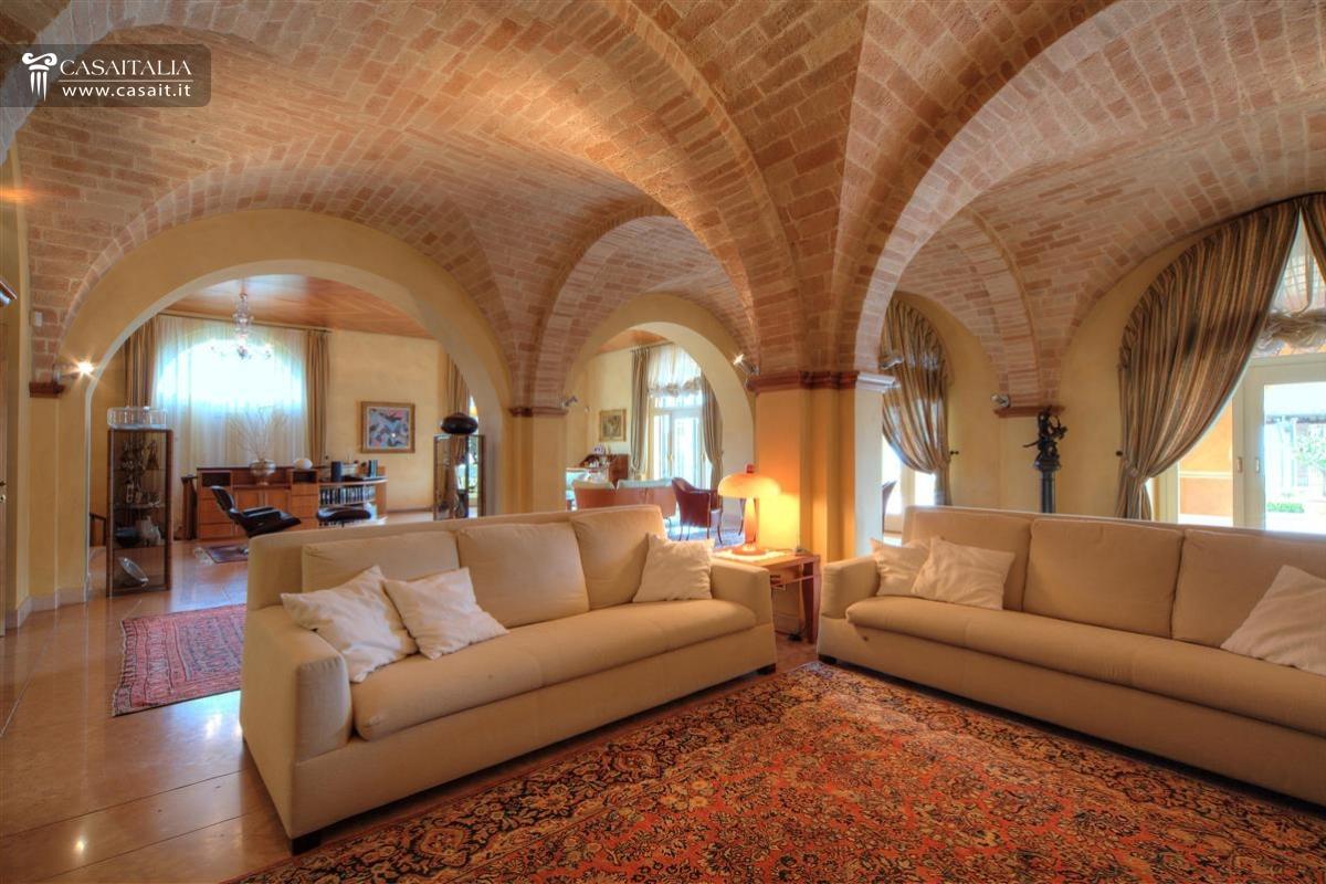 Soffitto a volta mattoni design per la casa idee per - Mattoni per interni casa ...