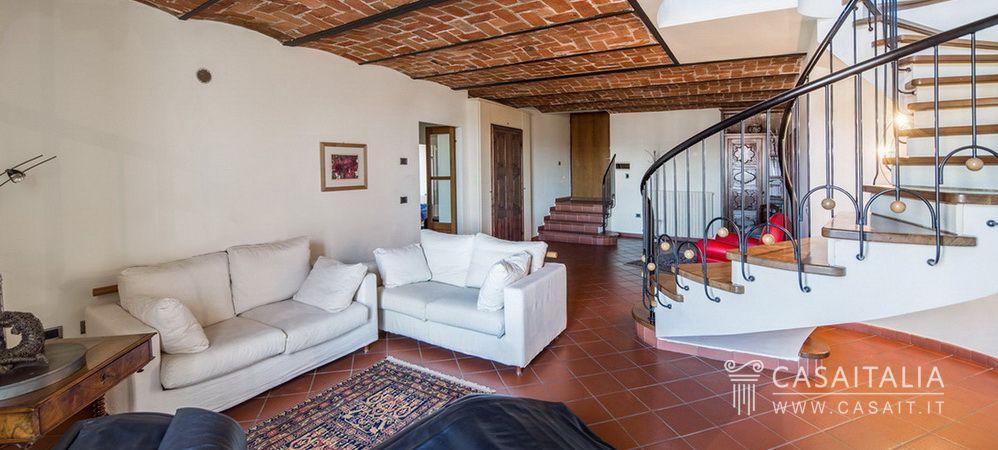 Appartamento con terrazzo panoramico ad Acqui Terme
