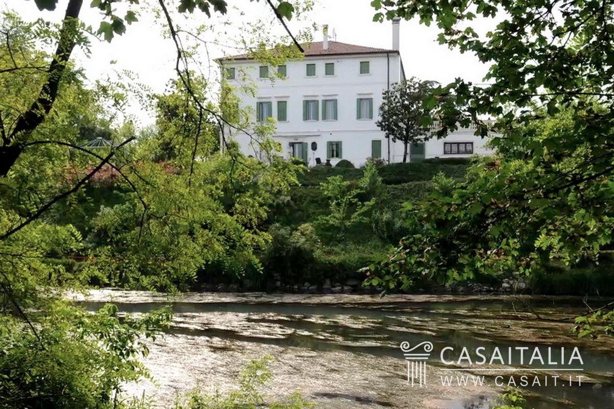 Hotel Treviso Con Piscina
