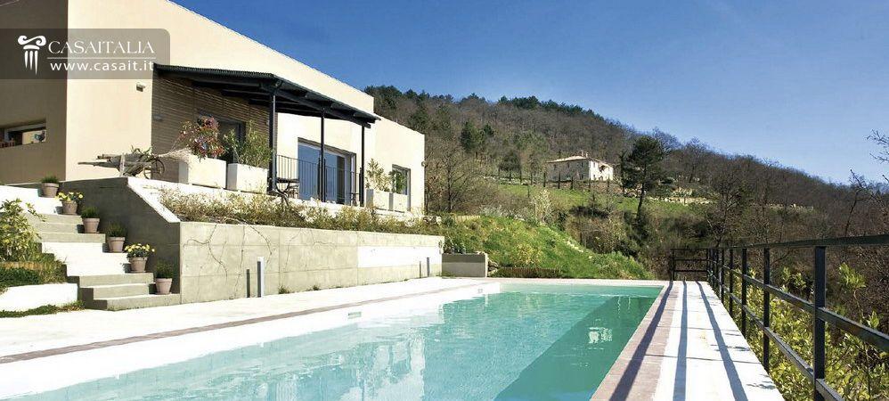 Ville sul mare e sui laghi in vendita for Case moderne italiane