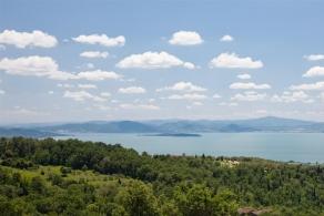 Lussuosa villa in vendita sul lago trasimeno umbria for Planimetrie vista lago