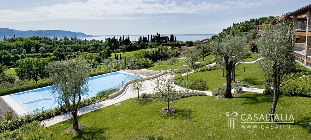 Appartamenti nel golf club sul lago garda for Planimetrie vista lago