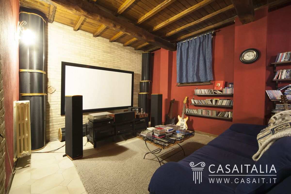 Ville e casali in vendita - Sala home cinema ...