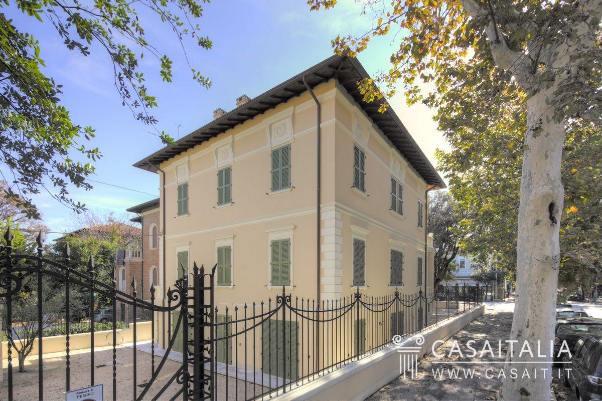 Villa vendita pesaro centro mare for Case in stile artigiano in vendita in california
