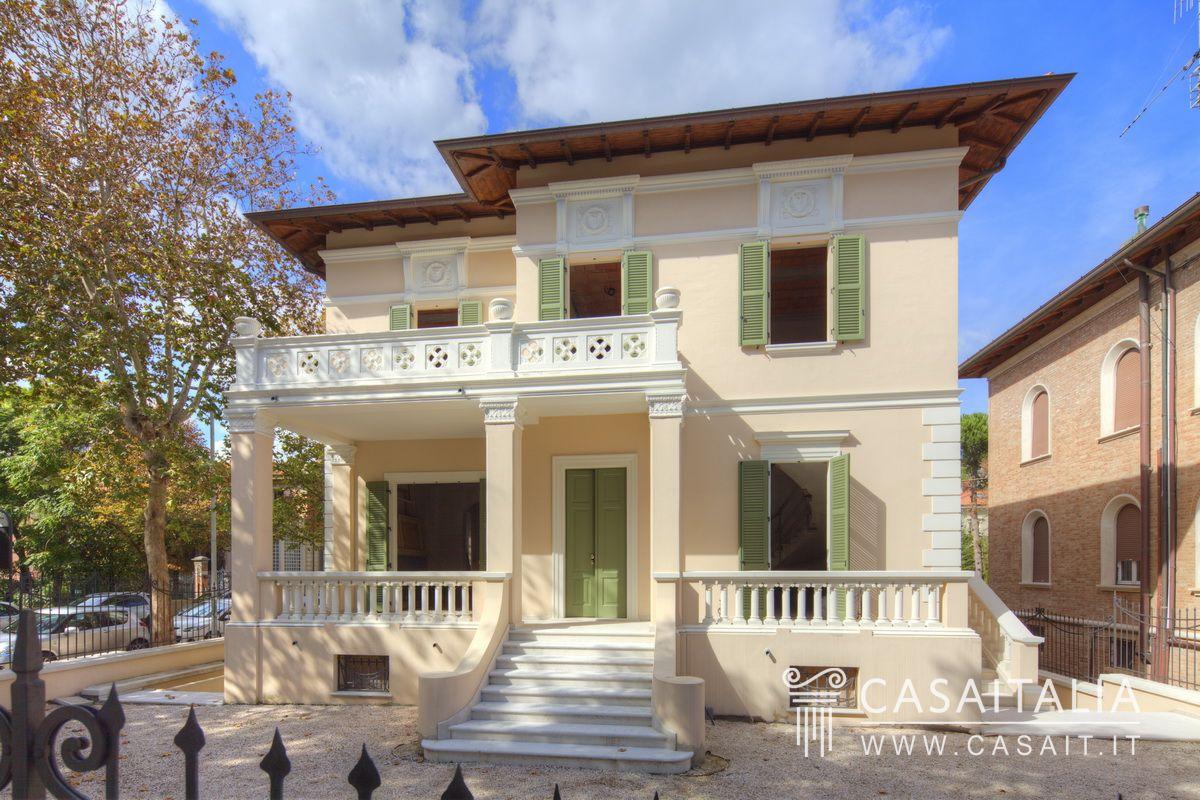 Villa vendita pesaro centro mare for Case di design in vendita