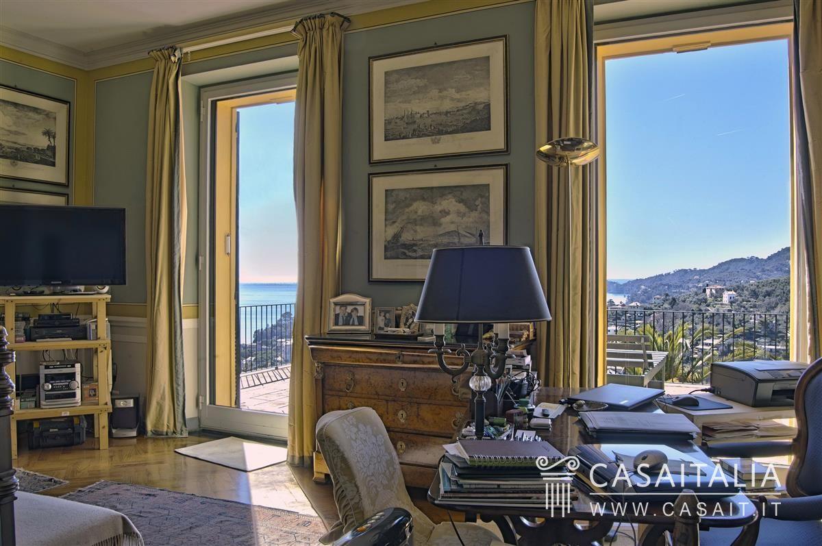 Villa di lusso con piscina in vendita a rapallo for Ville antiche interni