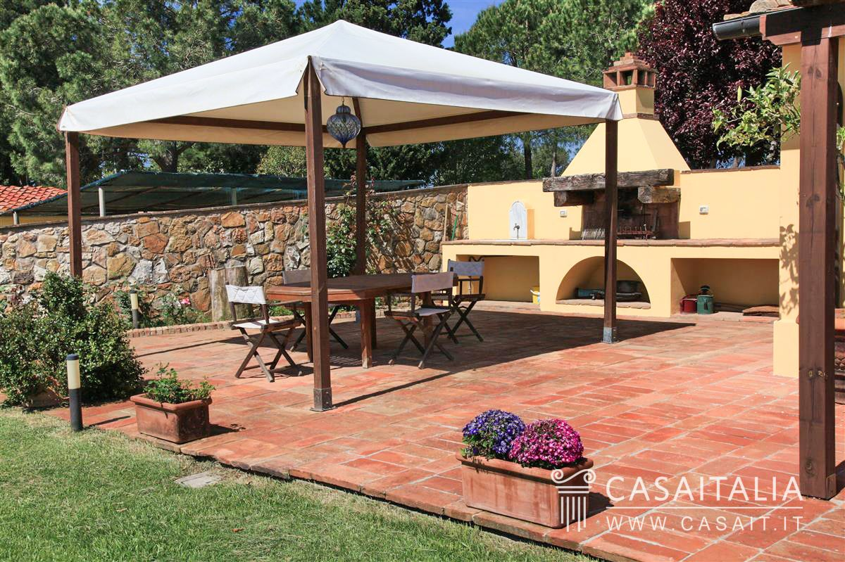 Villa in vendita all 39 interno di un golf club e a 13 km dal for Planimetrie gazebo