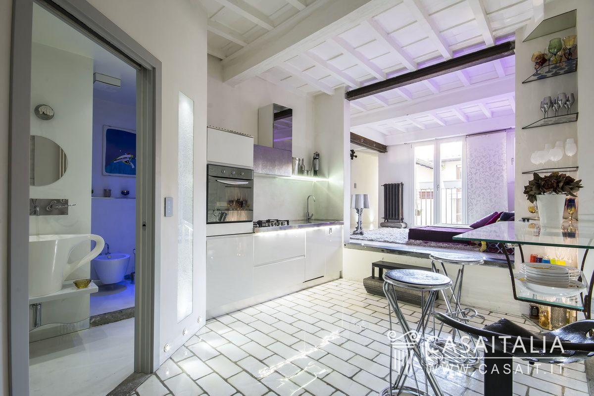 Appartamento in vendita nel centro di firenze for Foto di appartamenti ristrutturati