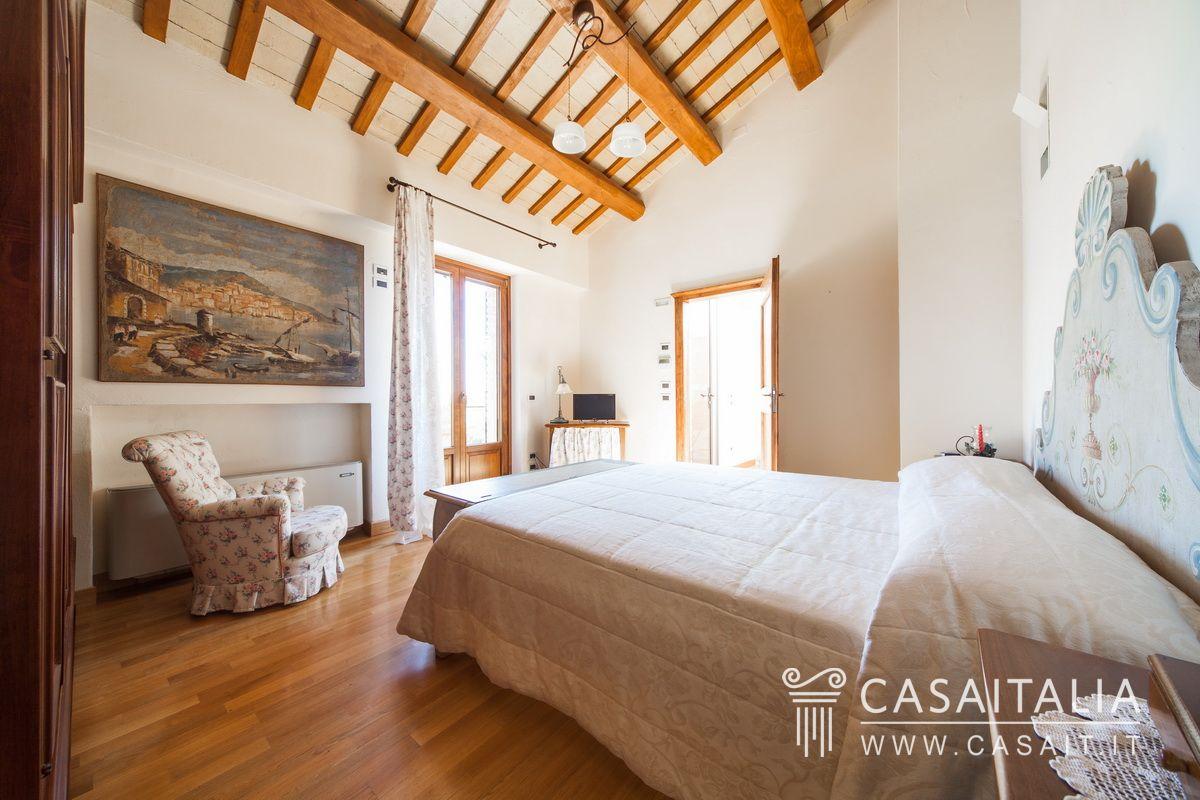 Casale vista mare in vendita tra marotta e senigallia - Migliori marche camere da letto ...
