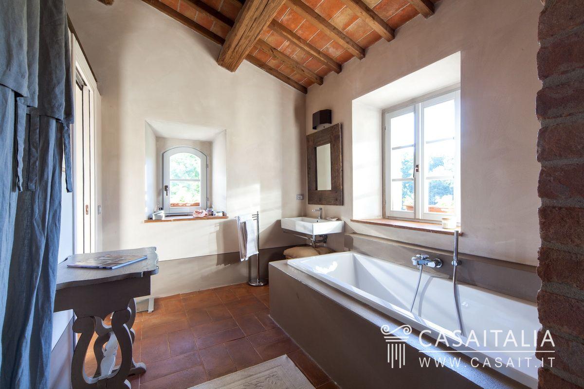 Casale con piscina in vendita a Todi