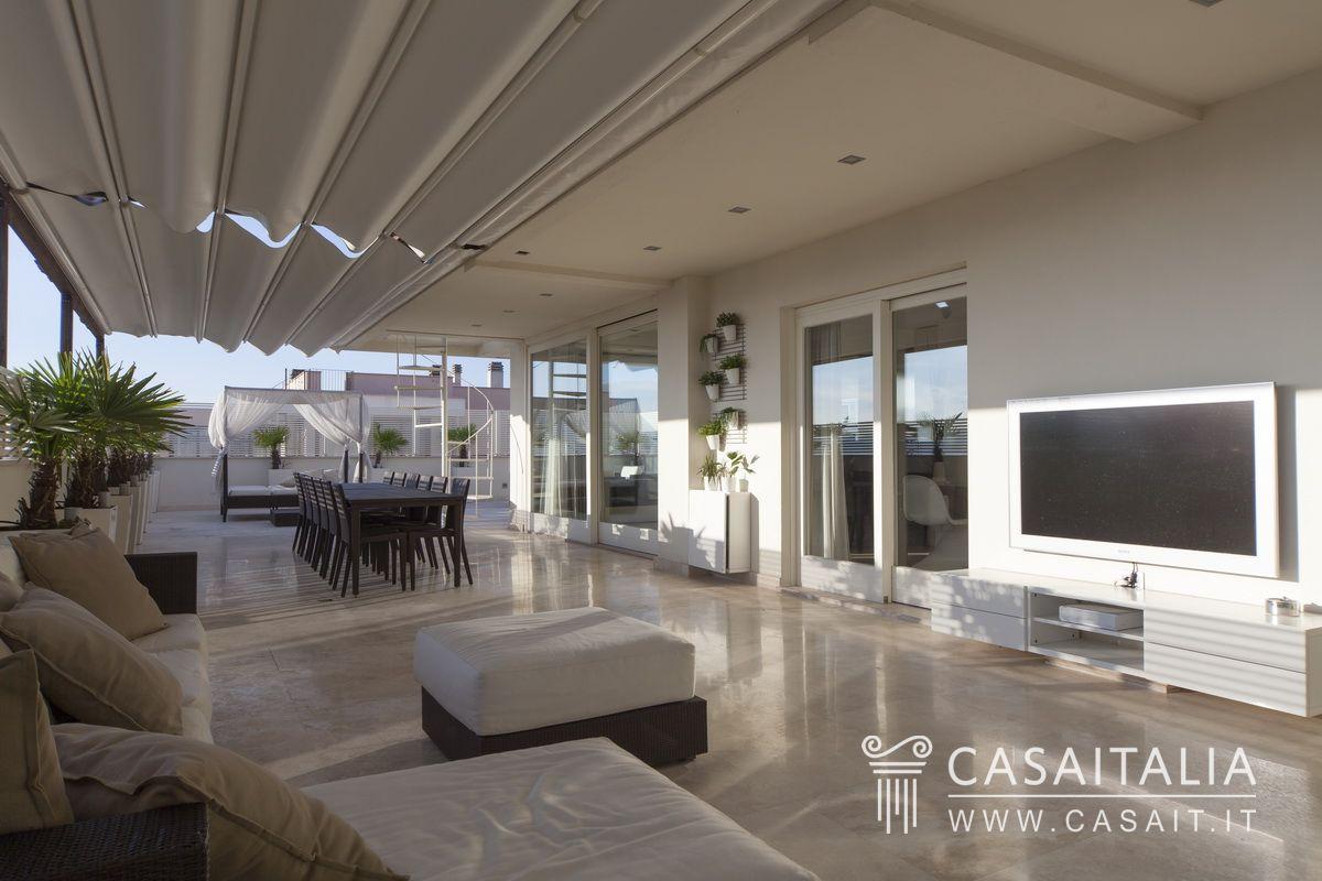Attico con terrazzi panoramici a foligno for Casa it foligno