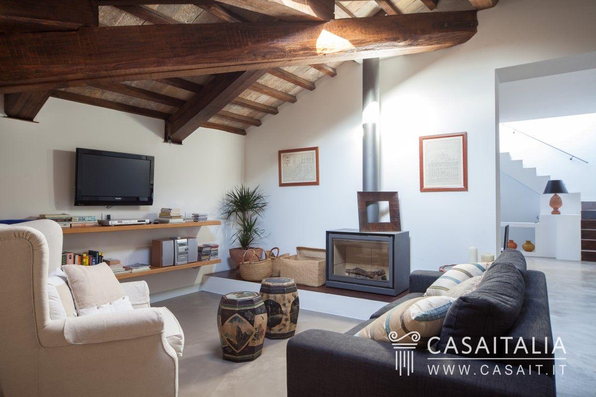 Attico con terrazzo in vendita a spello for Vendesi appartamento a roma