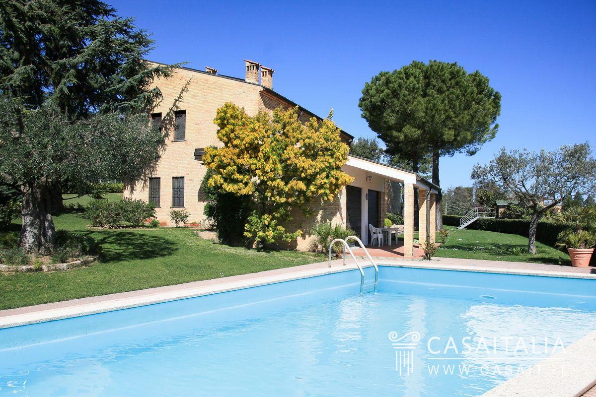 Villa vista mare con piscina - Villa con piscina ...