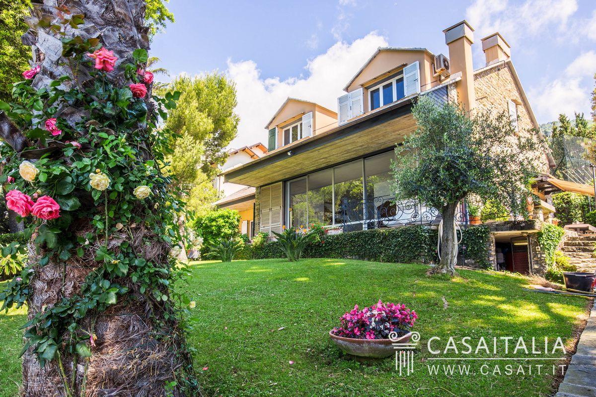 Villa di lusso sul mare in vendita a pieve ligure for Ville di lusso sul mare