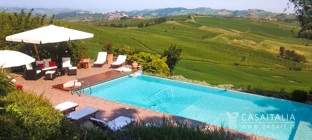 Tenuta in vendita nell 39 oltrep pavese - Villa con piscina milano ...