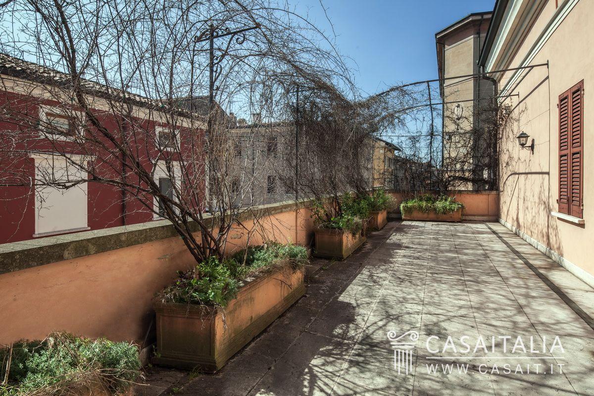 Appartamento con terrazzo in vendita nel centro di Mantova