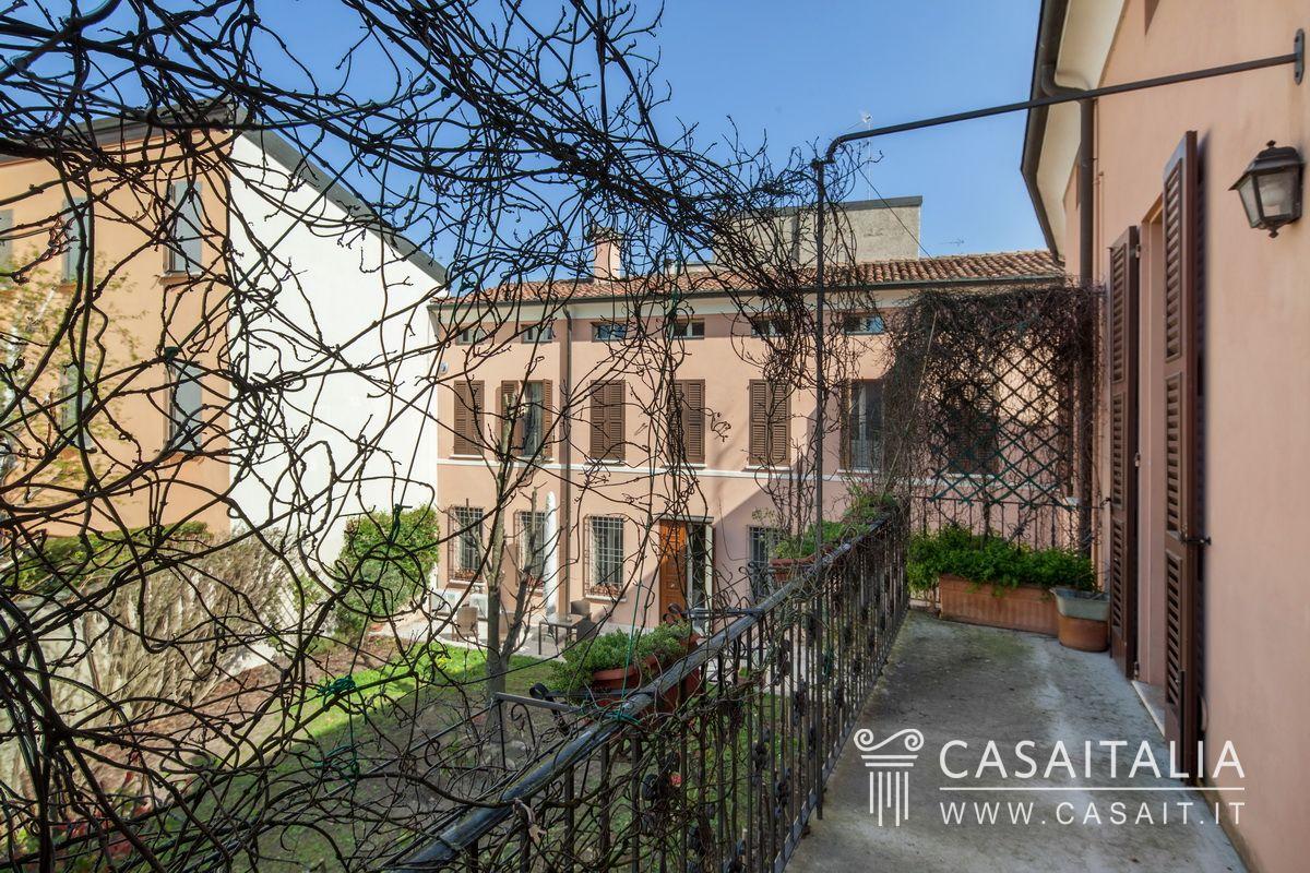 Appartamento con terrazzo in vendita nel centro di mantova - Cucina sul terrazzo ...