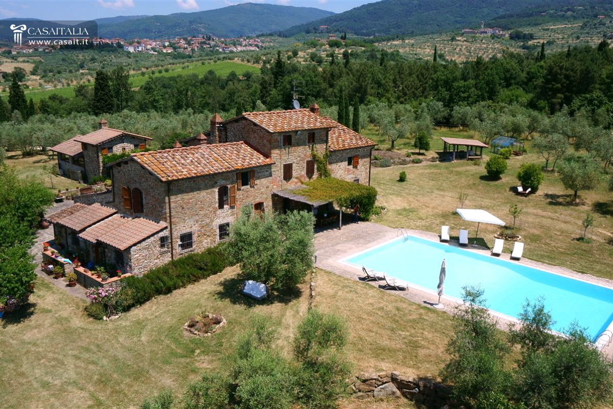 Toscana vendita casale con vigneto e uliveto for Toscana house