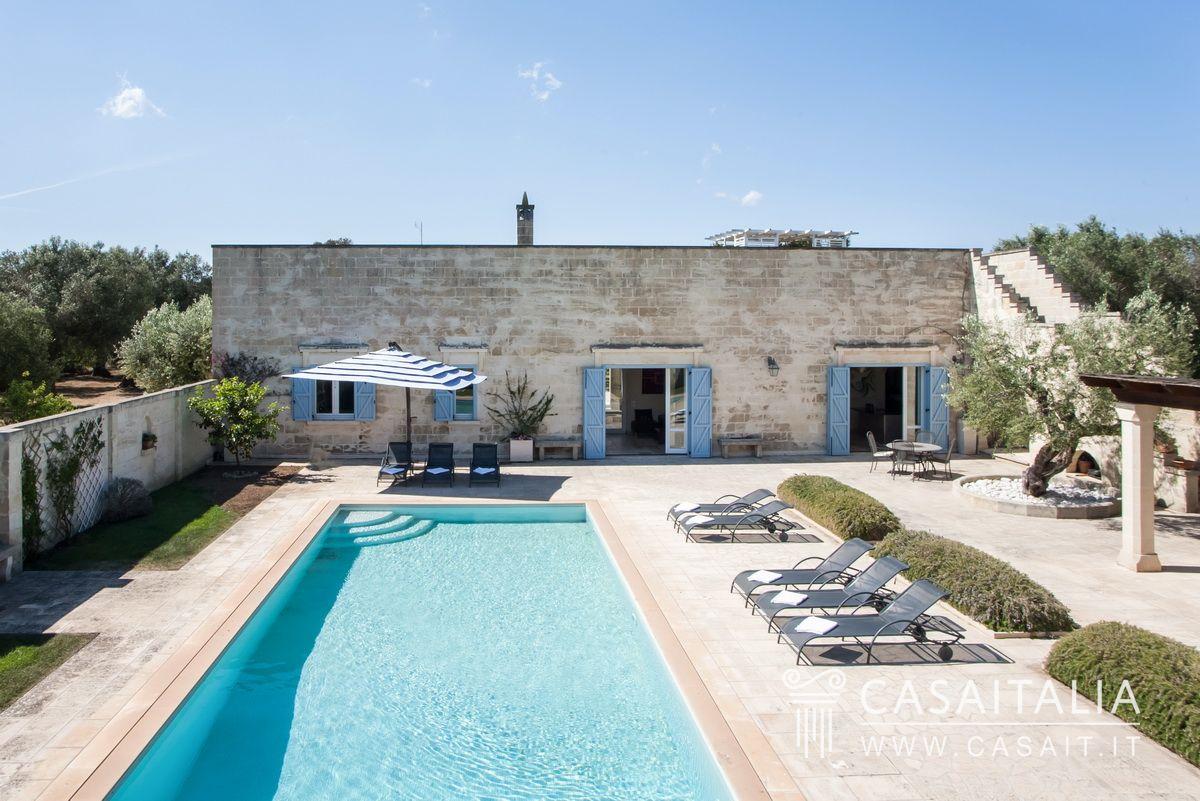 Villa con piscina e uliveto in vendita nel salento for Planimetrie della mia villa