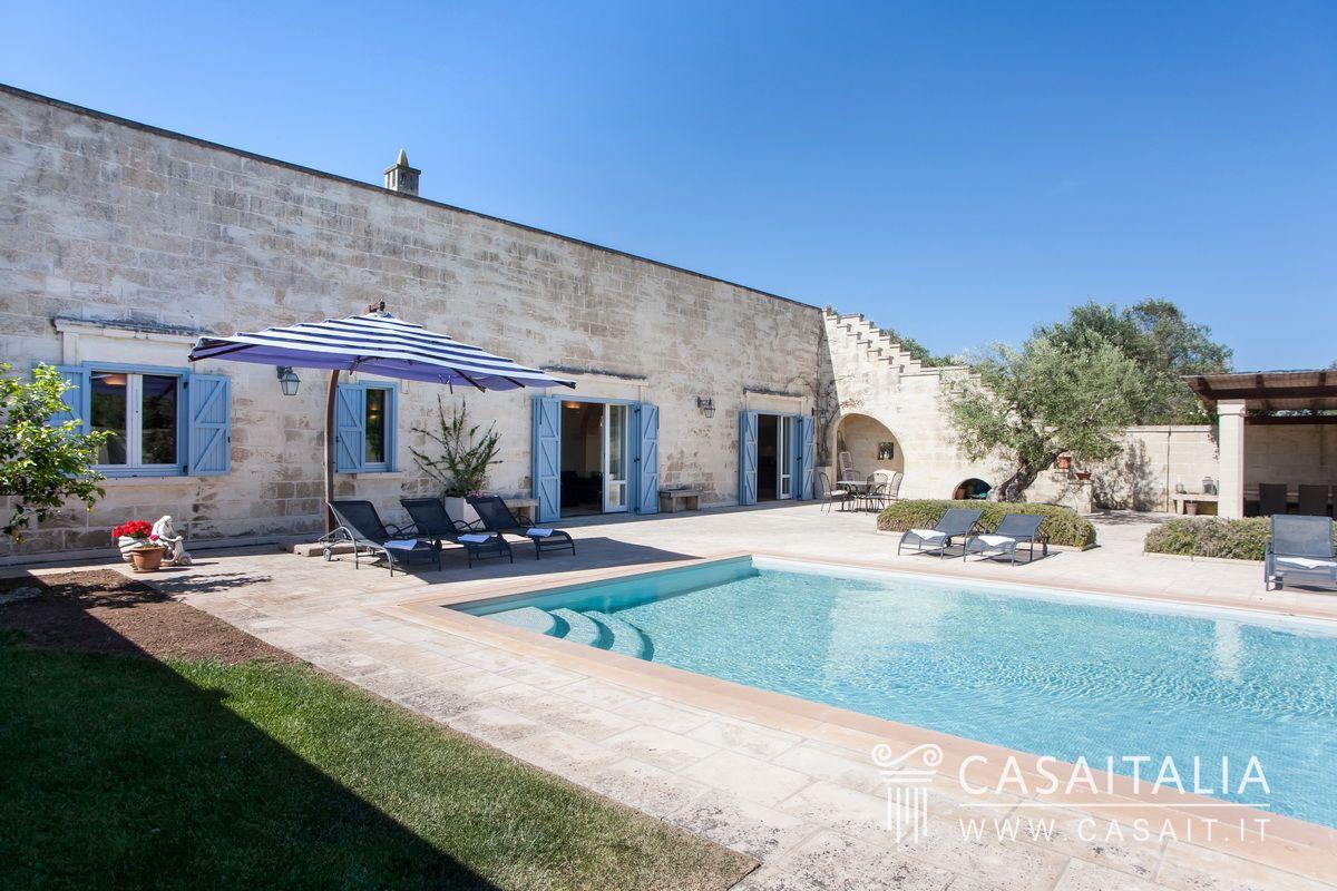 Villa con piscina e uliveto in vendita nel salento - Villa con piscina salento ...