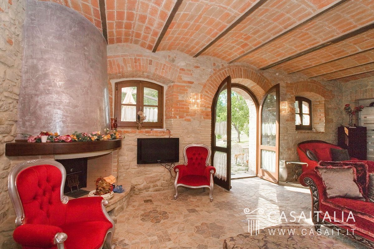 Salotto Antico Con Camino : Salotto con camino antico foto