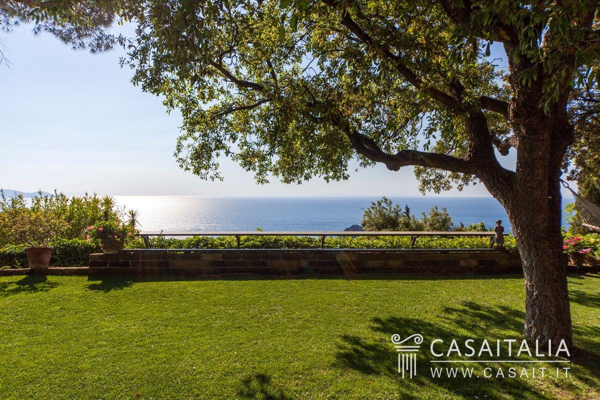 Villa Con Piscina E Dependance In Vendita All 39 Argentario