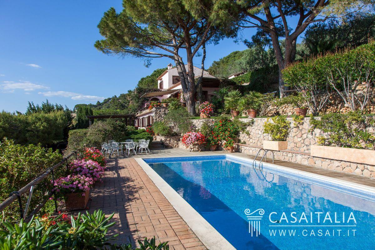Villa con piscina e dependance in vendita all 39 argentario - Immagini ville con piscina ...