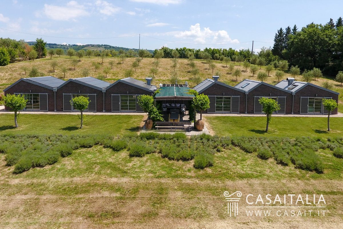 Villa moderna con piscina in vendita a todi - B b umbria con piscina ...