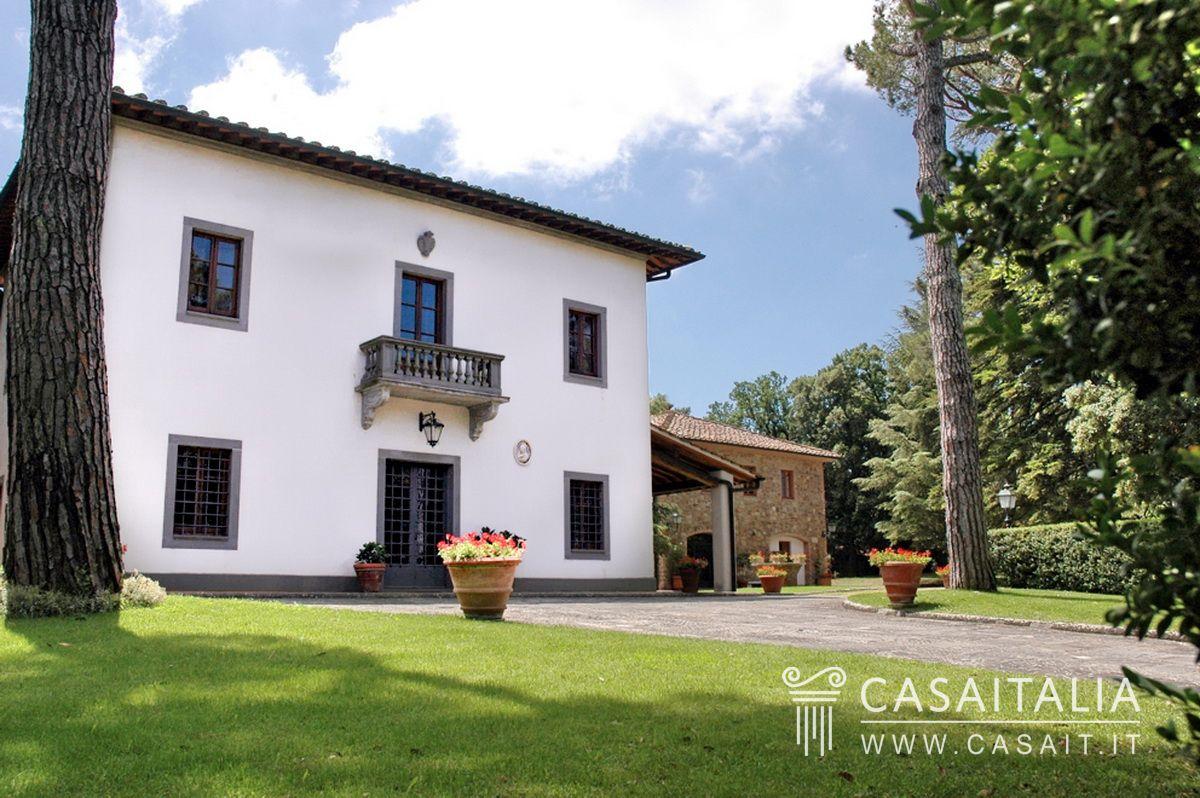 Villa di lusso con piscina in vendita a 13 km da san gimignano for Ville in legno di lusso prezzi