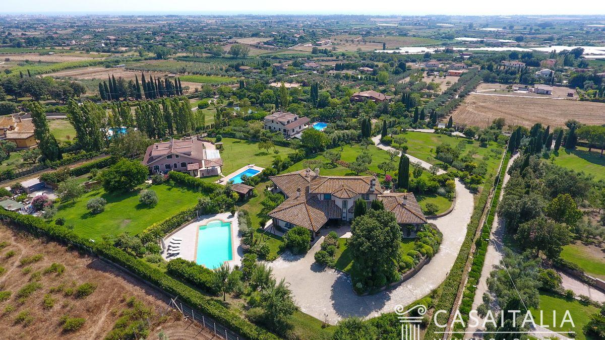 Ville e casali in vendita for Ville vendita roma