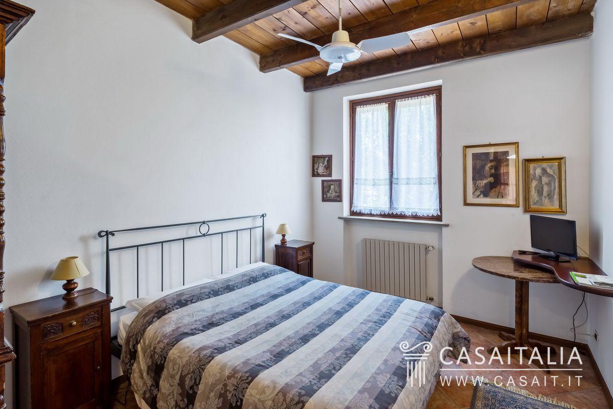 Villa d 39 epoca con agriturismo in vendita nel monferrato for Vendita mobili d epoca