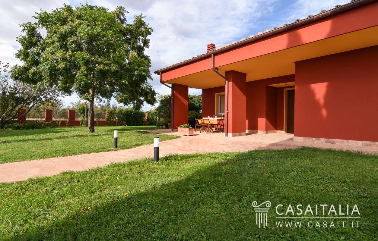 Villa con giardino tra grosseto e il mare for Planimetrie della villa toscana