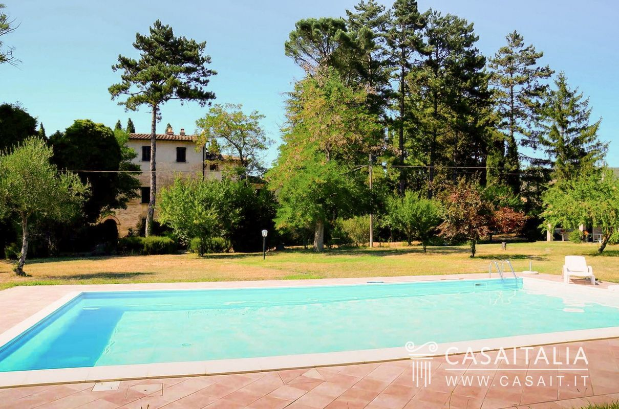 Villa in vendita in umbria tra citt di castello e san - B b umbria con piscina ...