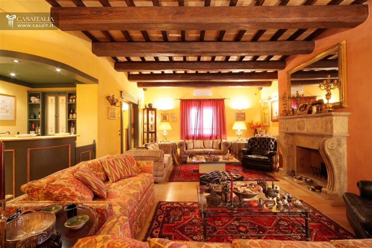 Villa di lusso in vendita in umbria vicino todi - Case colorate interni ...