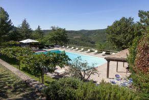 Agriturismo con piscina zona wellness e uliveto in umbria - Hotel con piscina umbria ...