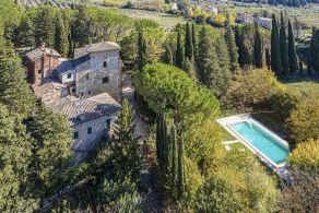 Villa with swimming pool for sale in Perugia, Umbria
