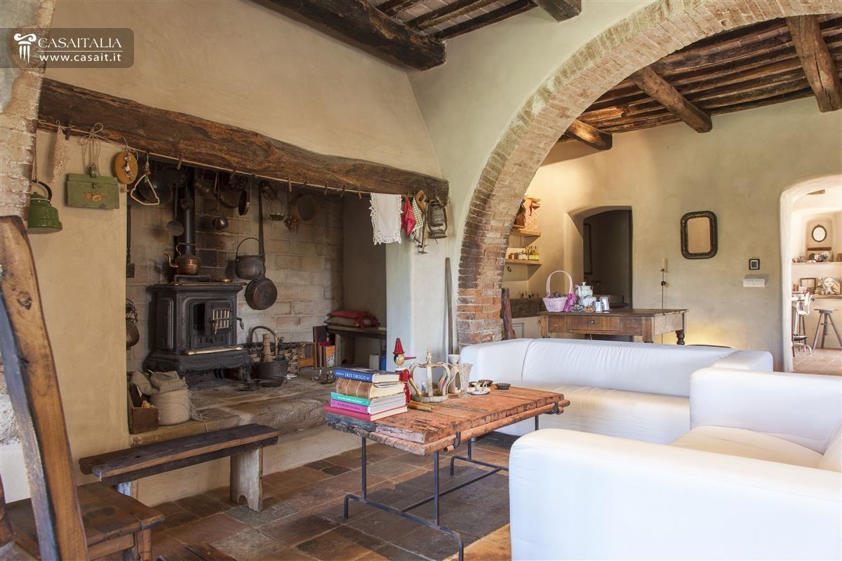 Toscana val d 39 orcia casale di lusso in vendita for Piani di casa in stile toscano