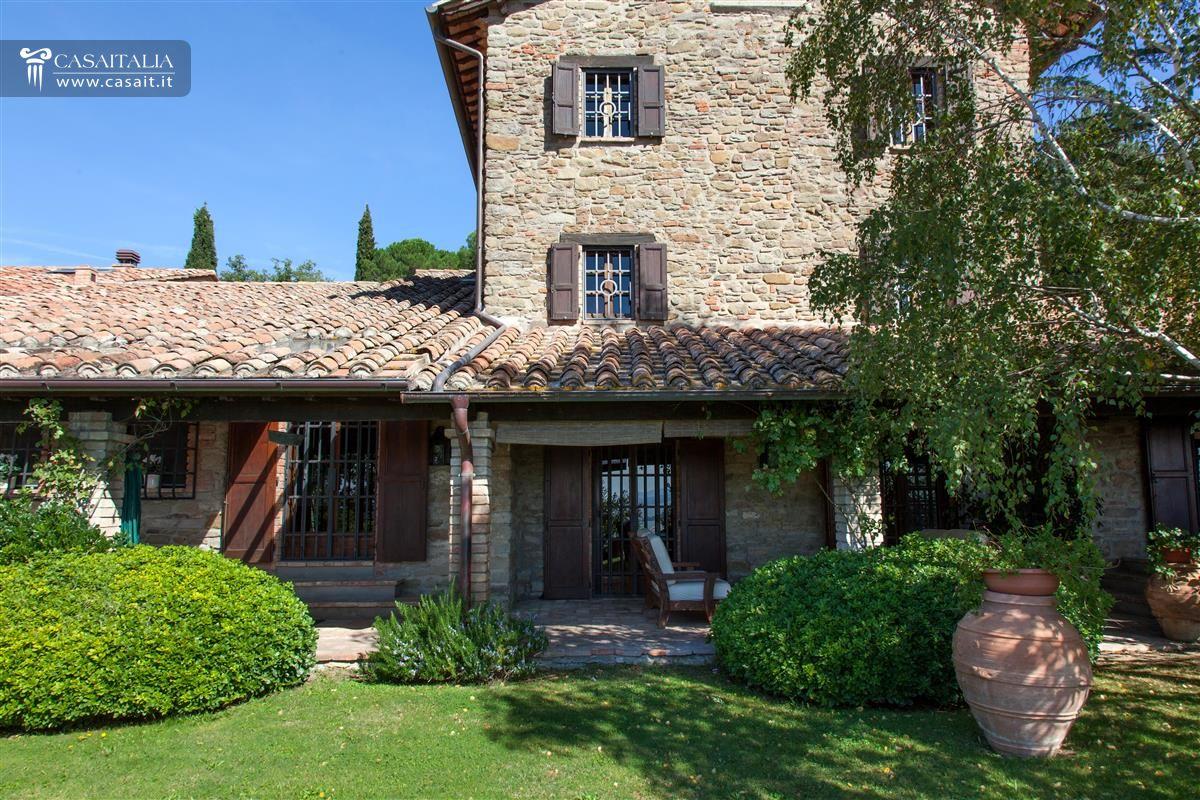 Villa in vendita sul lago trasimeno for Foto ville in pietra