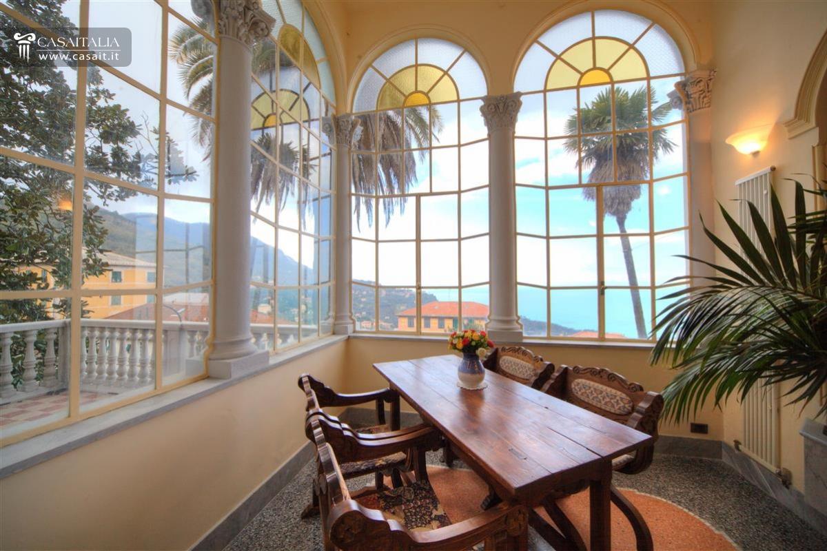 Free villa di lusso vista mare in vendita a camogli with for Interni ville