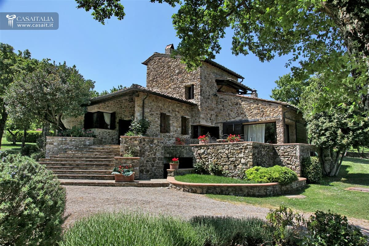Vendita villa di pregio a castellina in chianti toscana - Casale in toscana ...