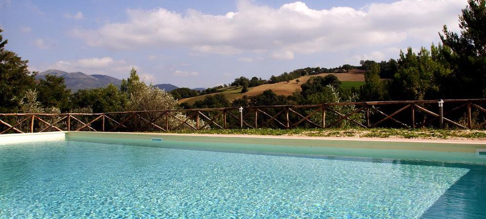Umbria Assisi Borgo Ristrutturato Con Terreno E Piscina