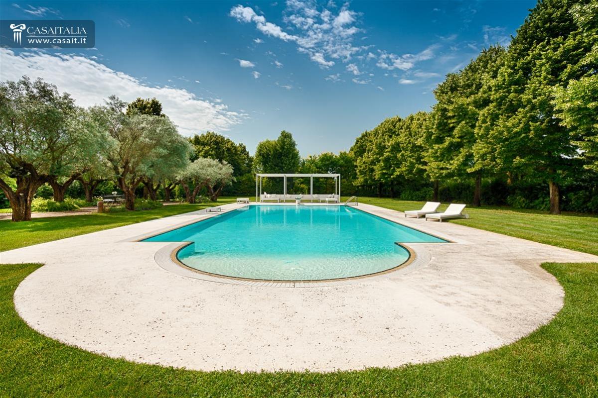 Vendita villa di lusso con piscina vicino venezia - Piscina di senago ...