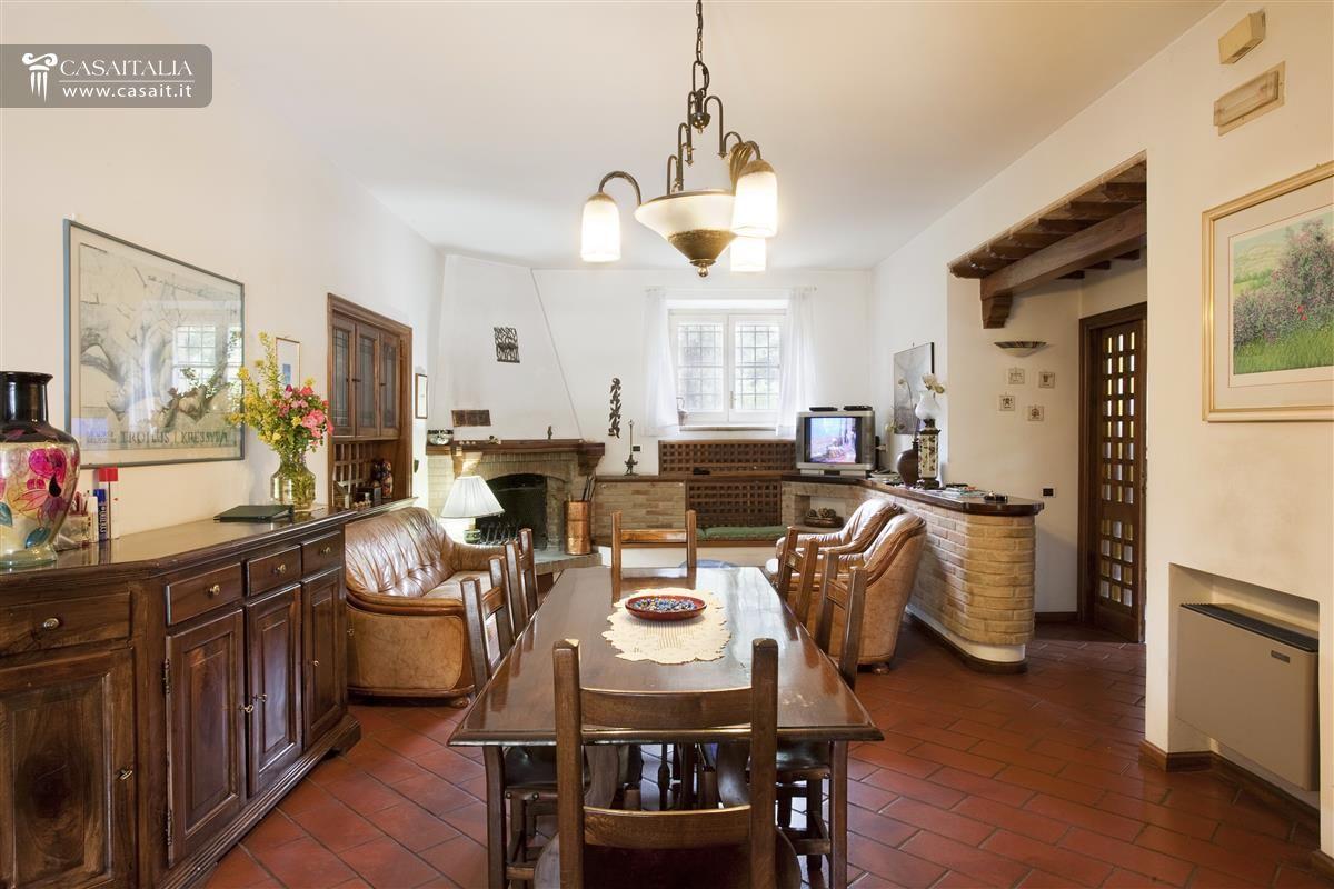 Villa Di Pregio In Vendita A Perugia #3C2417 1200 800 Sala Da Pranzo Botero