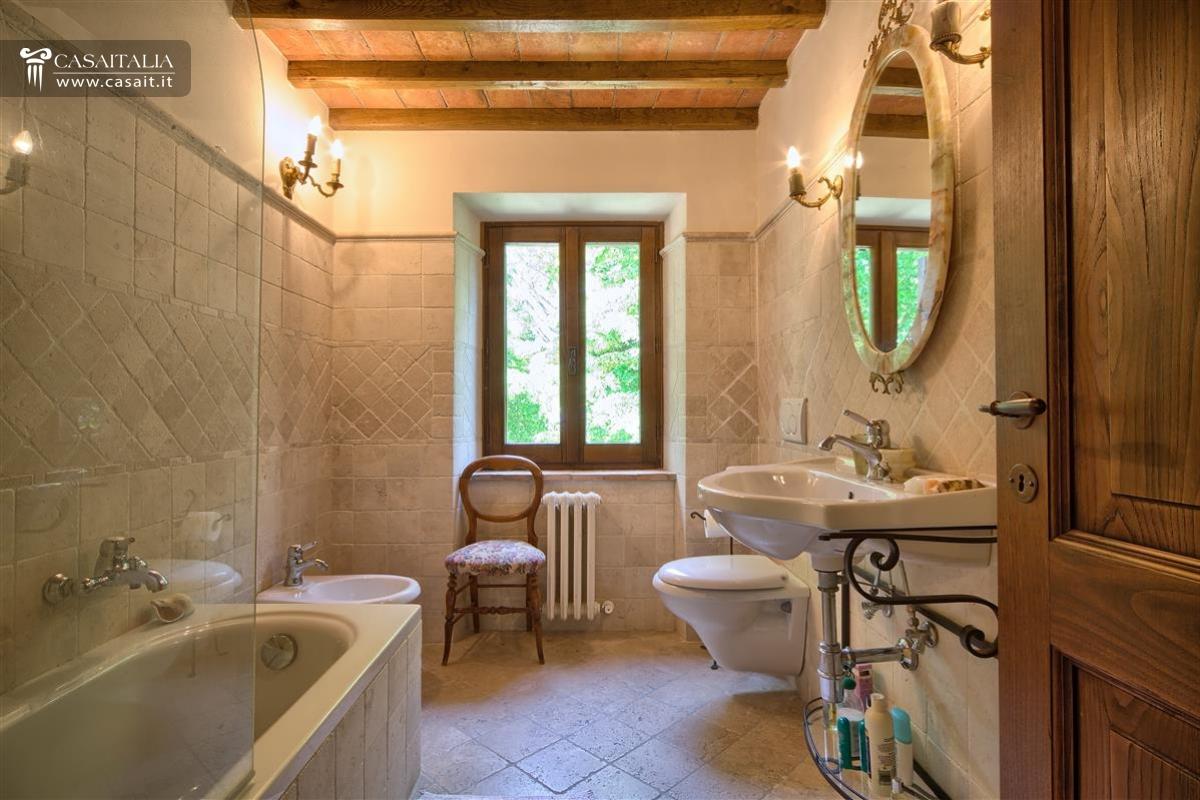 Bagno rustico moderno affordable bagno rustico e al tempo for Mobile bagno rustico moderno