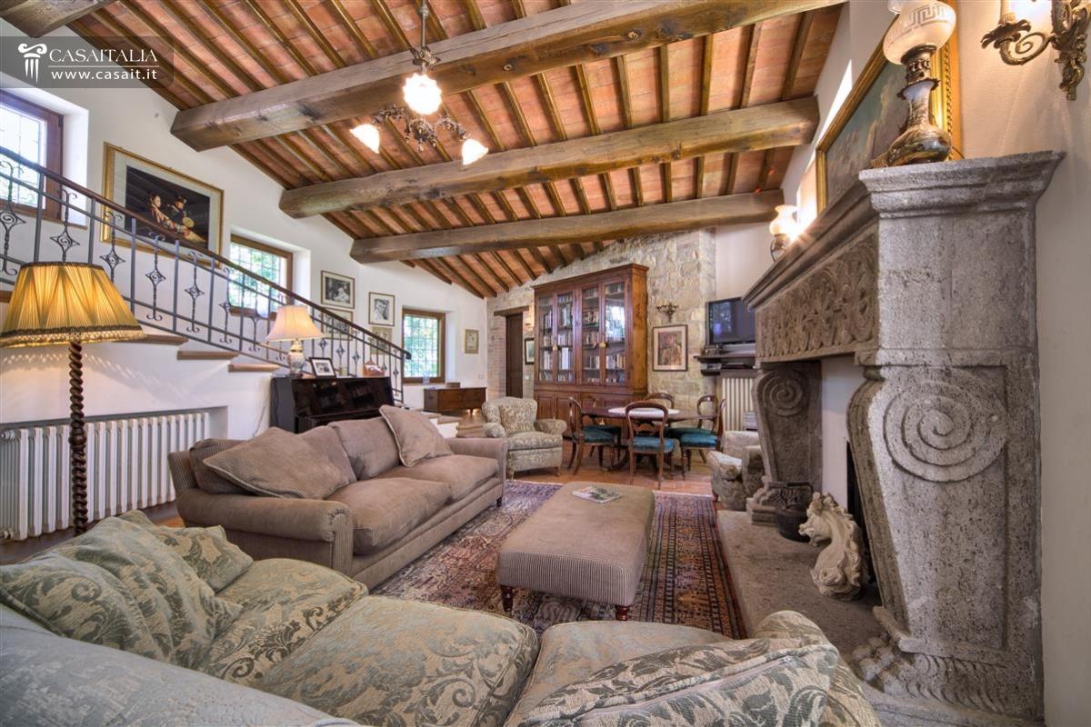 Umbria todi vendita ville e casali di pregio - Ville e casali interni ...
