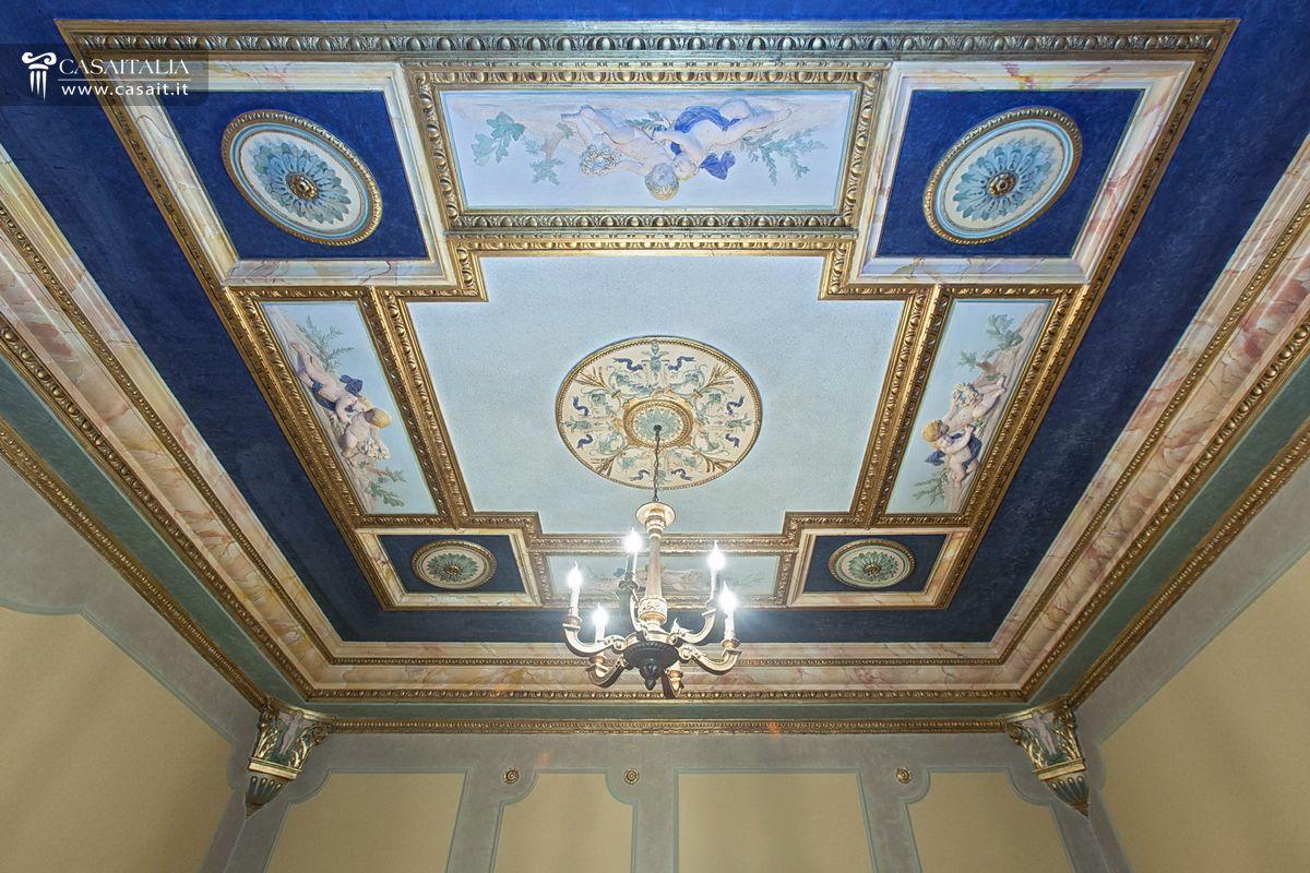 soffitti decorati appartamenti